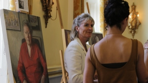 IWF UK Portrayed! by the Lots Road Group at the IoD  - artist Katherine Firth with guest. Credit: Chocolate Films