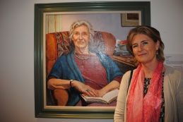 katherine-firth-with-portrait-dame-gillian-beer-006