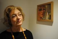 sarah-reynolds-with-self-portrait-013