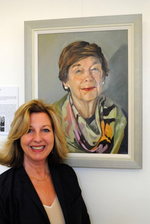 Sarah Richardson with her portrait of Katharine Whitehorn